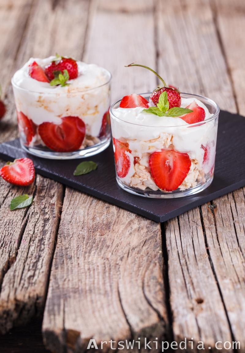 Strawberry with cheese cake in glass