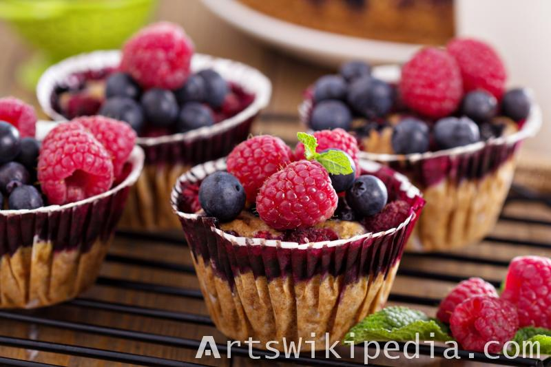 Raspberry and blueberry cupcake