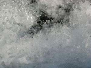 river-foam-texture