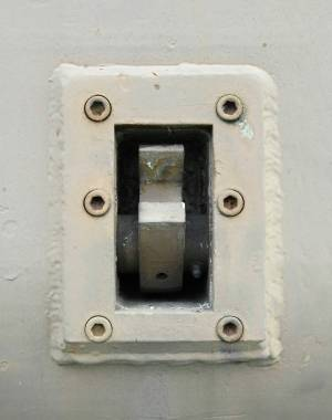 old-electric-socket