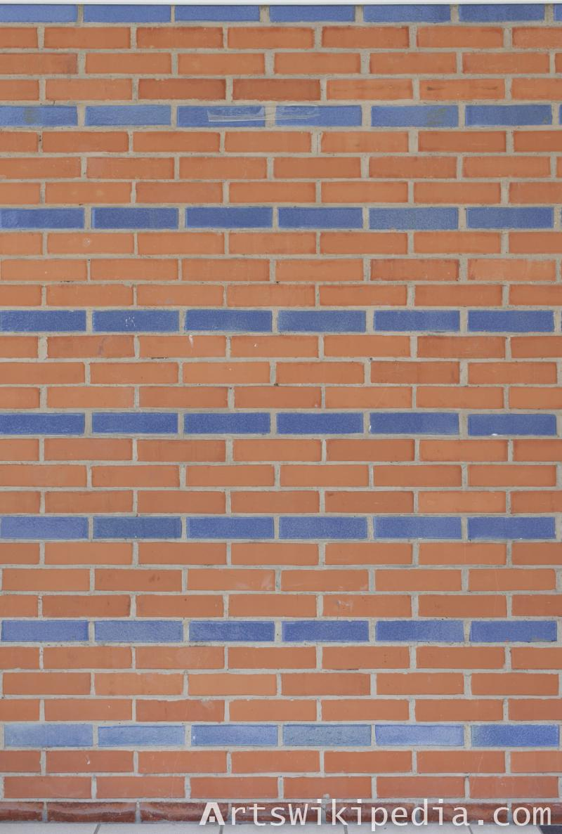 brick with blue line